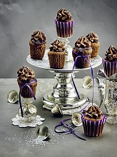 Espresso cup cakes with chocolate cream