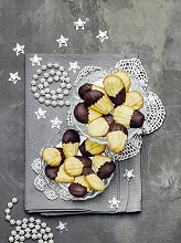 Madeleines with chocolate