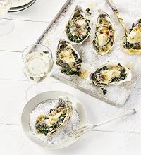 Gratinated oysters with kale filling