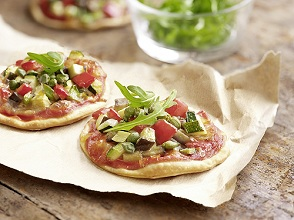 Mini-pizza with vegetable