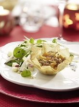 phyllo basket with pumpkin-bolognese *** Local Caption *** 89172534