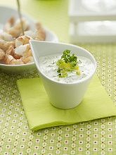Yoghurt dip with spring onions and bell pepper *** Local Caption *** 89194489