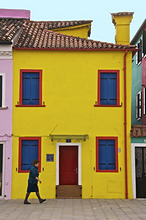 Colourful houses on the island of Burano, Venice, Veneto, Italy, Europe
