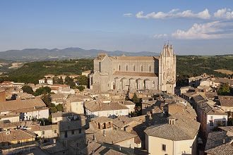 View over the old town with Santa Maria Cathedral, Orvieto, Terni District, Umbria, Italy, Europe
