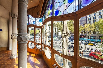 Stained glass in Casa Batllo, a modernist building by Antoni Gaudi, UNESCO World Heritage Site, Passeig de Gracia, Barcelona, Catalonia (Catalunya), Spain, Europe