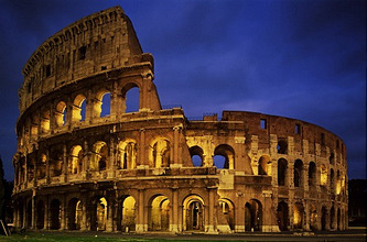 Italy, Roma, PiazzadelColosseo, Colosseum, illumination, evening *** Local Caption *** 01489790