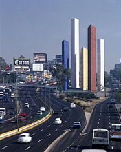 Mexico, MexikoCity, Stadtansicht, motorway, work of art, Säulen *** Local Caption *** 01728285