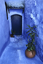 Morocco, Chefchaouen, alley, house front, blue, Eingangstür *** Local Caption *** 03608715