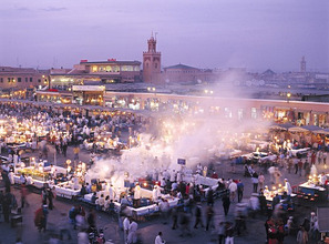 Morocco, Marrakesch, Medina, Place Djemaa el Fna *** Local Caption *** 03745721