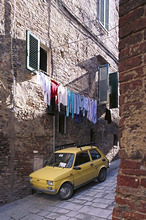 Italy, Tuscany, Siena, alley *** Local Caption *** 03773924