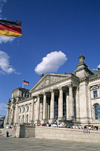 Germany, Berlin, Reichstag buildings, Entrance, visitors,only editorially!Series, Europe, capital, Berlin zoo, sight, buildings, construction, architecture, politics, government buildings, Reichstag, seat of government, German Bundestag, main portal, national flags, Germany flags, tourists