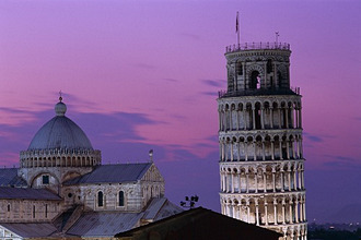 Italy, Tuscany, Pisa, slates tower, Cathedral Santa Maria Assunta, detail,Evening moodSeries, Europe, Campo of dei Miracoli, Domplatz, piazza Duomo, Campanile, skew tower, church, cathedral, constructions, architecture, culture, landmarks, sights, UNESCO-World Heritage Site, tourism, destination, evening heaven, romanticism, color mood purple concept crooked, inclination