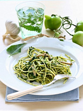 Spaghetti with spinach, garlic, green tomatoes