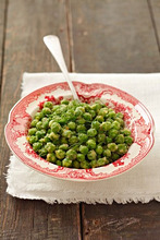 Peas with butter, dill and breadcrumbs