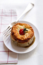 Individual veal pie with mushrooms