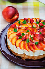 Curd cheesecake with nectarines and mint