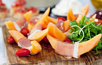 Prosciutto with melon and rocket