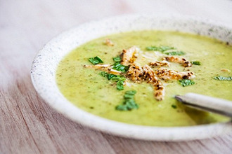 Cream of courgette soup with chicken