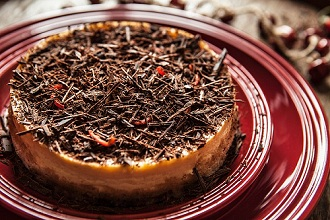Winter cheesecake with chilli and grated chocolate
