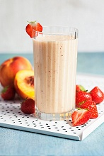 A nectarine, banana and strawberry smoothie