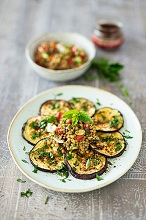 Baked aubergine slices with lentils