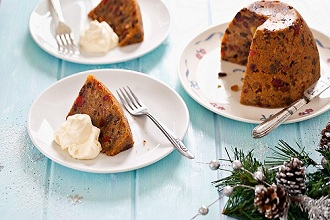 A simple Christmas pudding with cream