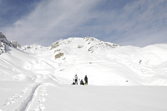 Ski-alpinists at Gias Cervet, Lausetto, Acceglio, Maira Valley, Cuneo, Piedmont, Italy, Europe