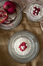 Cream with pomegranate and meringue