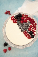 Cream cheese cake with berries,European
