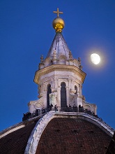 Italy, Tuscany, Florence at christmas time.The cathedral and moon.