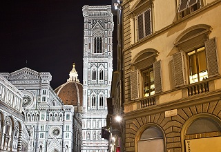 Night view, Cattedrale di Santa Maria del Fiore cathedral, Florence, Tuscany, Italy