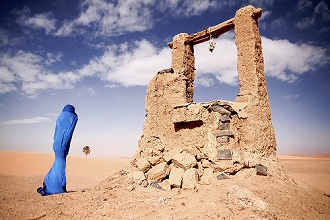 Woman in sahara desert, Morocco, North Africa, Africa