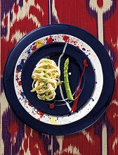Linguine with ricotta cream, asparagus and peas, Italy, Europe