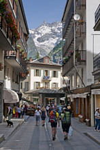 Foreshortening, City centre of Courmayeur, Valle d'Aosta, Italy, Europe