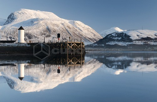 Corpach Lighthouse on Loch Eil with Ben Nevis and Fort William in the background, Highland Region, Scotland, UK