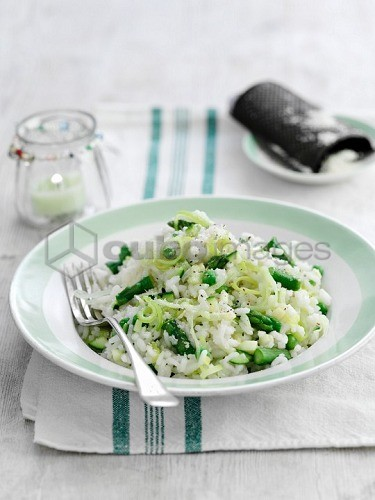 Risotto with green asparagus