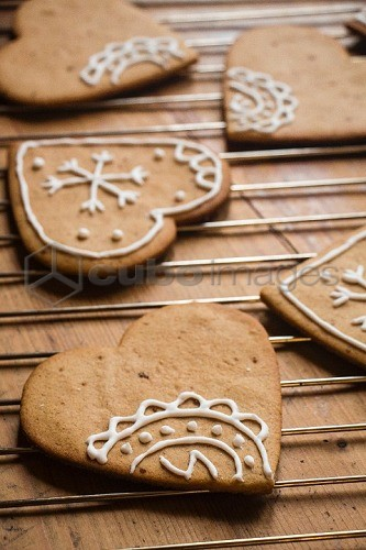 Gingerbread hearts decorated with white icing