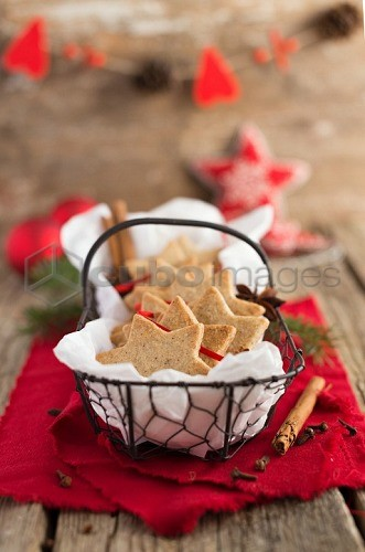 Sables in a wir basket for Christmas